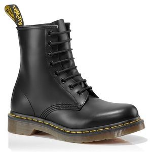 Dr. Martens 1460 Smooth Leather Lace Boots S6